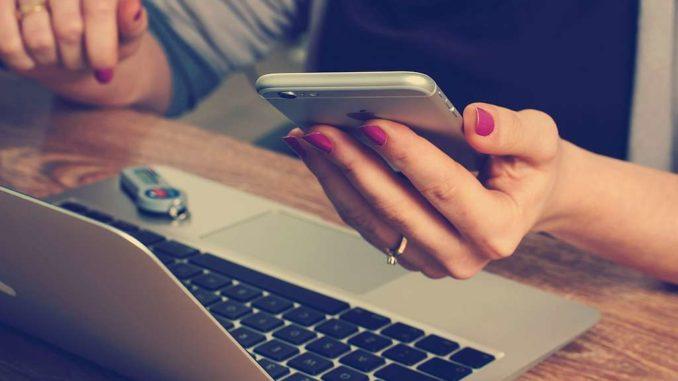 Laptop per Handy ausschalten