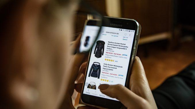 Mobiles Shopping wird immer beliebter. Bezahldienste aus China machen dem europäischen Markt mehr und mehr Konkurrenz.
