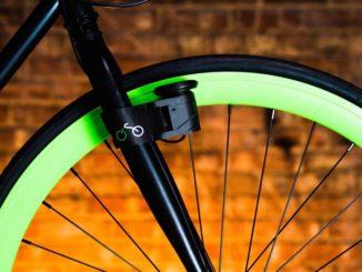 """Wer erinnert sich nicht an Fahrrad-Dynamos vom Typ """"Flasche"""", die an der Seite des Fahrradreifens angebracht wurden, um die Lichter zu betreiben? Mit dem gabelmontierten CadenceX-Generator hat die Technologie nun ein Hightech-Update erhalten."""